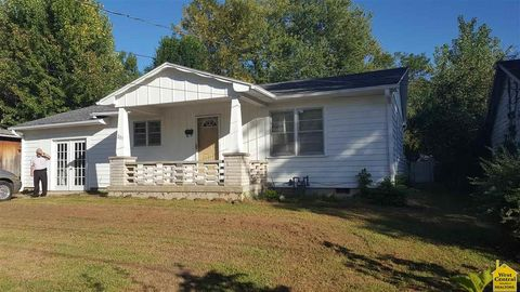 203 S Lawn St, Windsor, MO 65360
