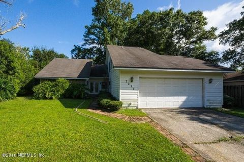 7255 Holiday Hill Ct, Jacksonville, FL 32216