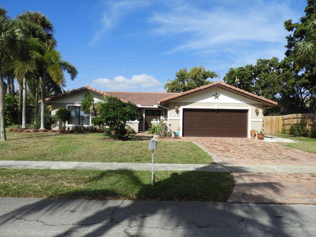 1401 W Royal Palm Rd, Boca Raton, FL 33486