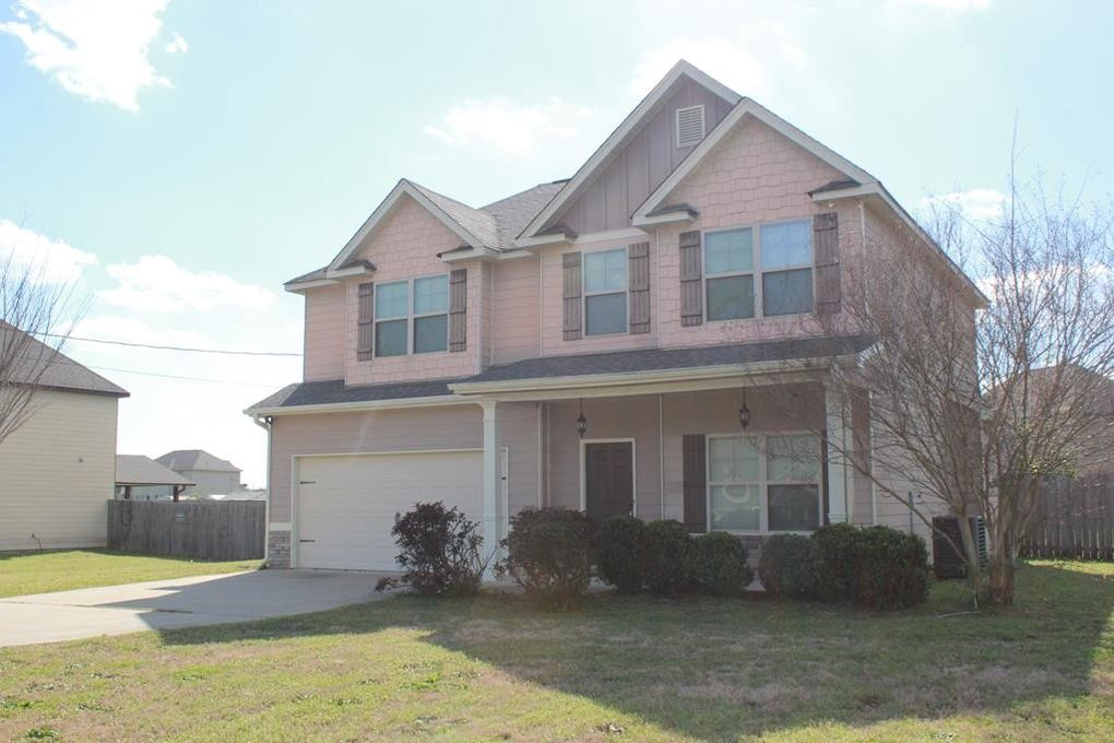 10 Isbell Rd, Fort Mitchell, AL 36856