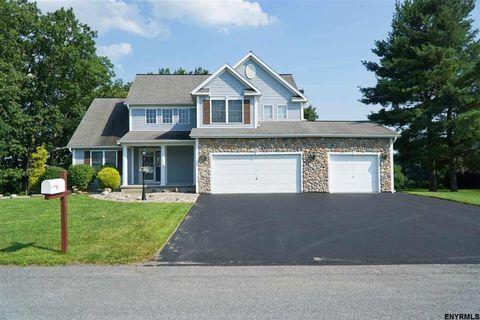 39 Mountainwood Dr, Glenville, NY 12302