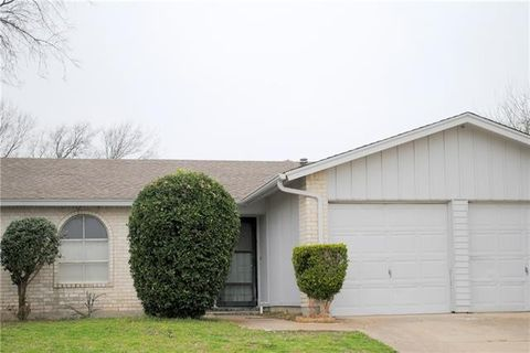 Photo of 1543 Willowbrook St, Lancaster, TX 75134