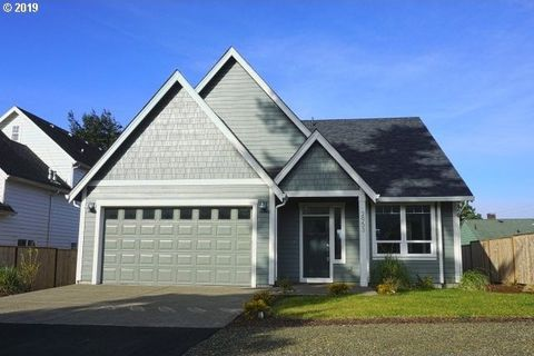 Photo of 2953 Nw Neptune Ave, Lincoln City, OR 97367