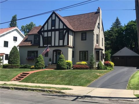 106 Sedgwick Dr, Syracuse, NY 13203