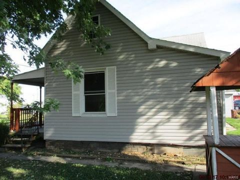 601 Kinloch Ave, Collinsville, IL 62234