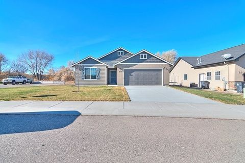 1207 Creekside Ave, Filer, ID 83328