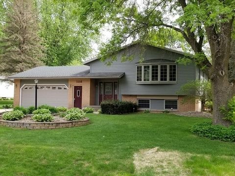 1118 Fairview Dr, Marshfield, WI 54449