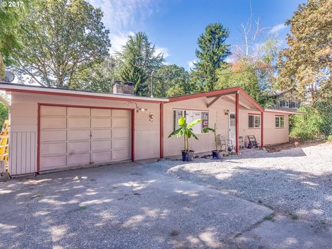 17855 Oatfield Rd, Gladstone, OR 97027