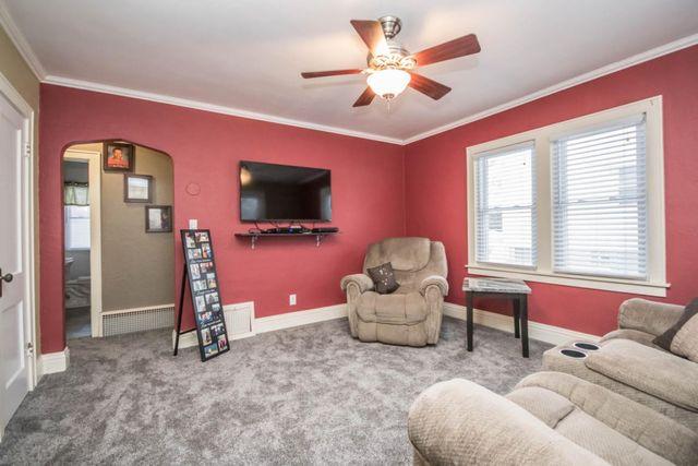 812 N Grandview Blvd, Waukesha, WI 53188 - realtor.com®