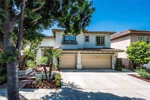 34 Laurelwood Irvine CA 92620