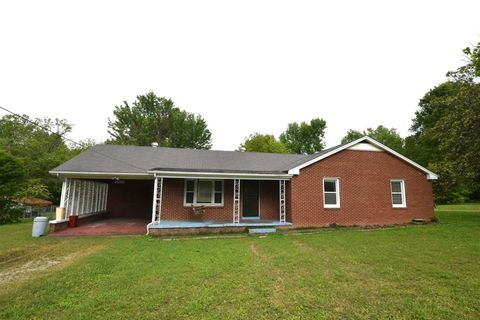 1871 Highway 70 E  Jackson  TN 38305. Jackson  TN Real Estate   Jackson Homes for Sale   realtor com