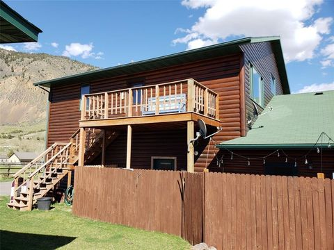 550 Old Yellowstone Trl S Unit 12, Gardiner, MT 59030