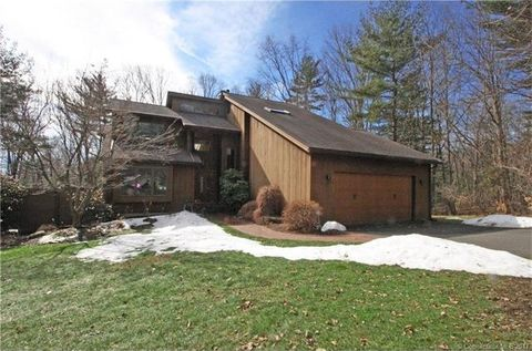 15 Williams Way, Tolland, CT 06084