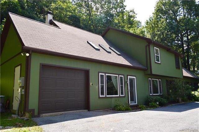 2239 forrest hill dr lower saucon township pa 18015 home for sale and real estate listing. Black Bedroom Furniture Sets. Home Design Ideas