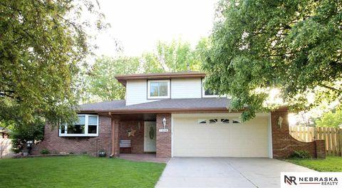 Photo of 7216 Twin Oaks Rd, Lincoln, NE 68516