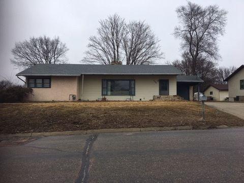 Photo of 340 W 3rd St, Ainsworth, NE 69210