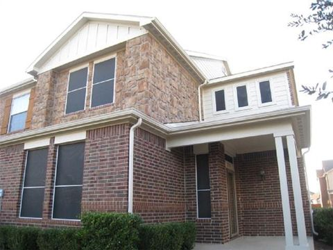 Photo of 2714 Olympic Park Dr, Grand Prairie, TX 75050