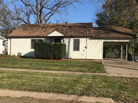 502 N 4th St, Oskaloosa, IA 52577