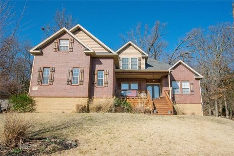 Photo of 792 W Foothills Dr, Fayetteville, AR 72701