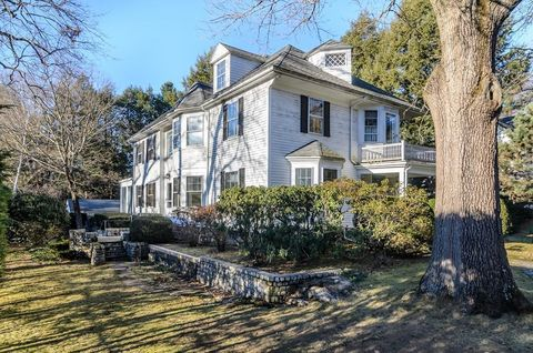 Photo of 42 Cliff Rd, Wellesley, MA 02481