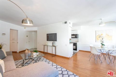 Photo of 8490 Fountain Ave Apt 206, West Hollywood, CA 90069