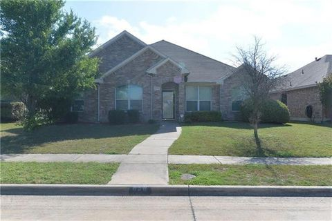 Photo of 638 Mary Wilson Dr, Lancaster, TX 75146