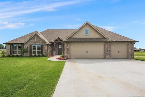 10215 S 218th Ave E, Broken Arrow, OK 74014