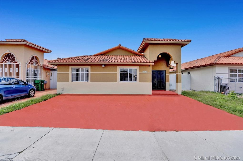 8862 NW 110th Ln Hialeah Gardens, FL 33018