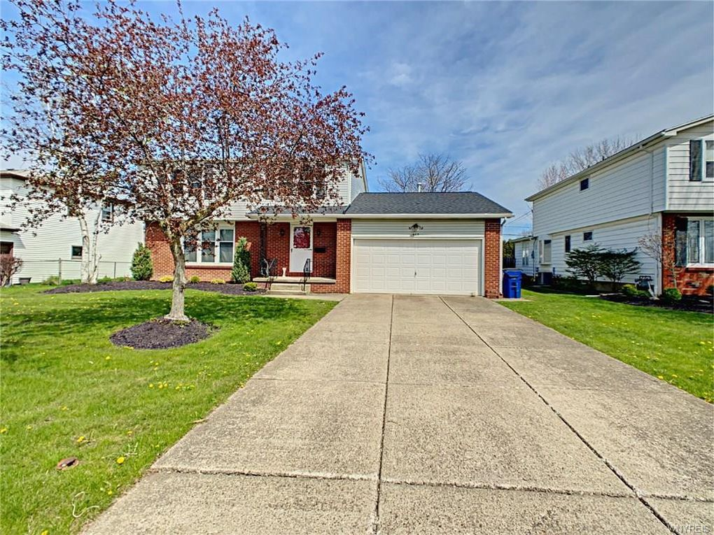 465 Sagewood Ter Amherst, NY 14221