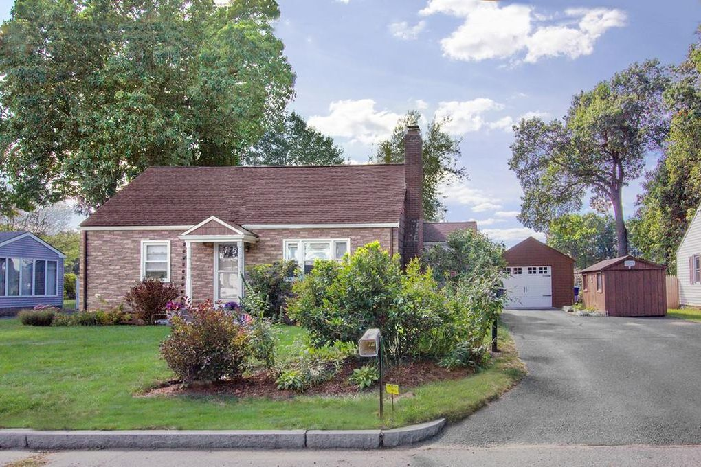 60 Ronald Dr Springfield, MA 01104