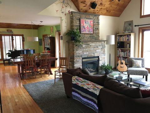 Photo of 147 Homestead Rd, Saratoga Springs, NY 12866