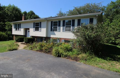 Photo of 10894 Martingale Ct, Frederick, MD 21701
