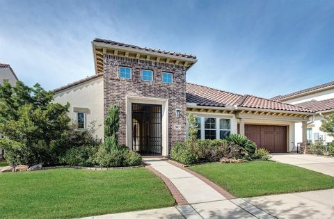 Photo of 81 Quiet Way Ln, Sugar Land, TX 77498