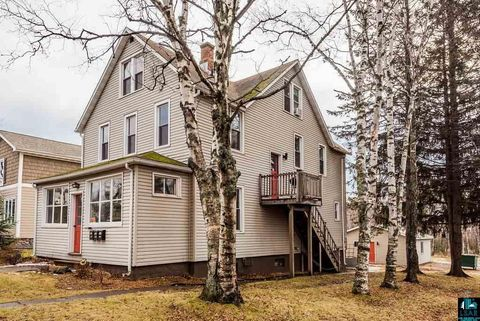 Photo of 216 South Ave, Two Harbors, MN 55616