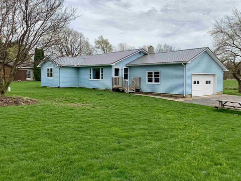 Photo of 178 E Perry Rd, Ligonier, IN 46767