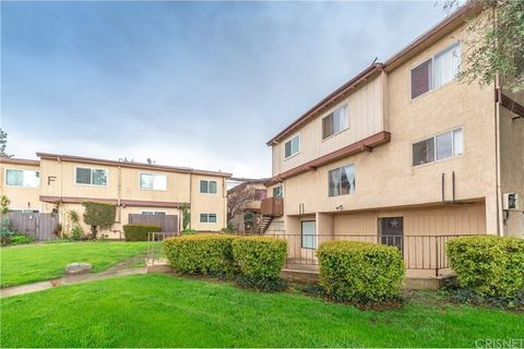 Photo of 7300 Lennox Ave Unit K3, Van Nuys, CA 91405