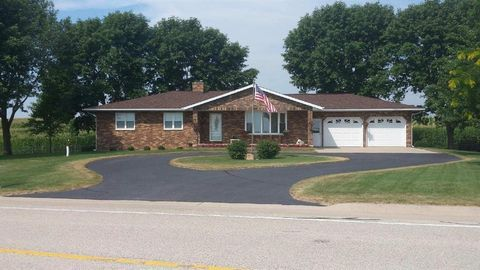 20419 Stone Bridge Rd, Monticello, IA 52310