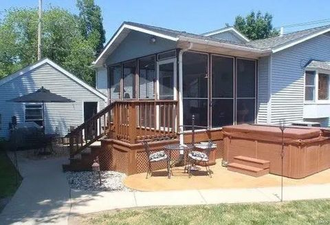 Alton, IL Real Estate - Alton Homes for Sale - realtor com®