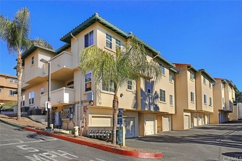 Photo of 3711 Baldwin St Apt 1305, Los Angeles, CA 90031