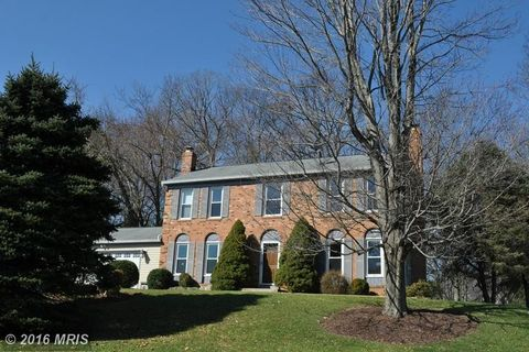 623 Tanglewood Dr, Sykesville, MD 21784