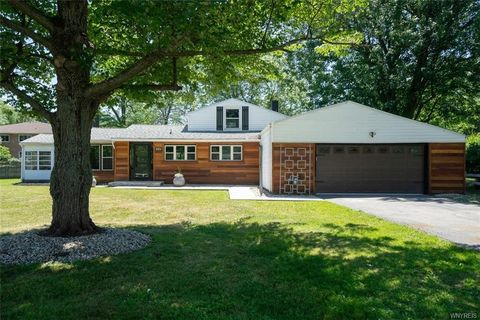 34 Woodlee Rd, Amherst, NY 14221