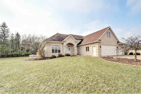 Photo of N5530 Henry Ct, Luxemburg, WI 54217