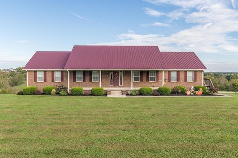 233 Twin Lakes Dr, Lancaster, KY 40444