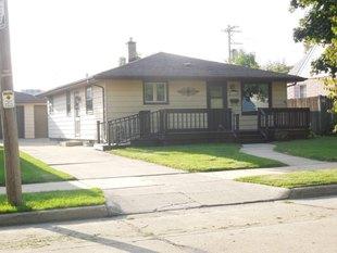 <div>2040 W Lawn Ave</div><div>Racine, Wisconsin 53405</div>