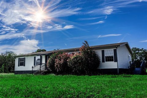 Photo of 3919 County Road 127, Giddings, TX 78942
