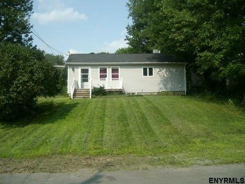 84 Tollgate Rd, Averill Park, NY 12018