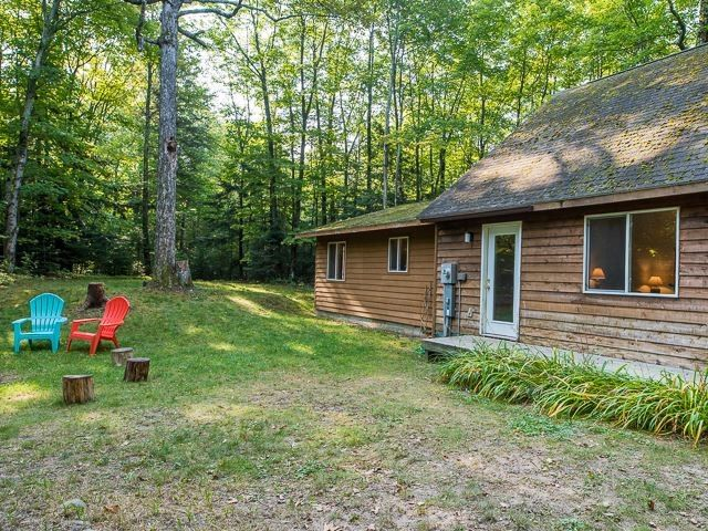 36790 Allens Lakeview Rd, Beaver Island, MI 49782