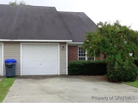 1404 Victorious Pl # B, Greenville, NC 27858