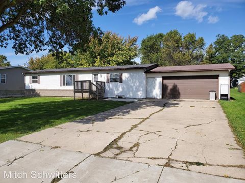 Photo of 502 4th Ave S, Raymond, MN 56282