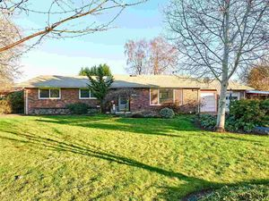 2855 Nw Rolling Green Dr, Corvallis, OR 97330 - realtor.com®